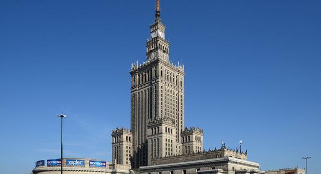 uważacie, że Pałac Kultury i Nauki to nieodłączny składnik warszawskiej tkanki?