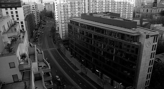 Architektura modernizmu. Osiedle Za Żelazną Bramą. Dlaczego jest takie ważne w architekturze Warszawy?