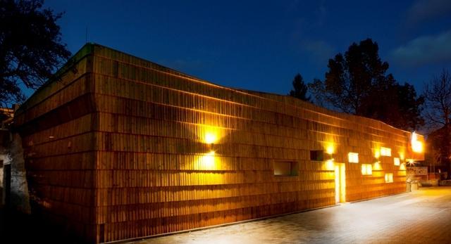 Biedronka w Zakopanem. Zobaczcie architekturę Biedronki, projektu Biura Architektonicznego Karpiel i Steindel. Galeria zdjęć