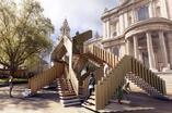 Co zobaczyć w Londynie. Festiwal Designu w Londynie. Zobaczcie surrealistyczne schody, które ozdobią plac przed Katedrą św. Pawła.