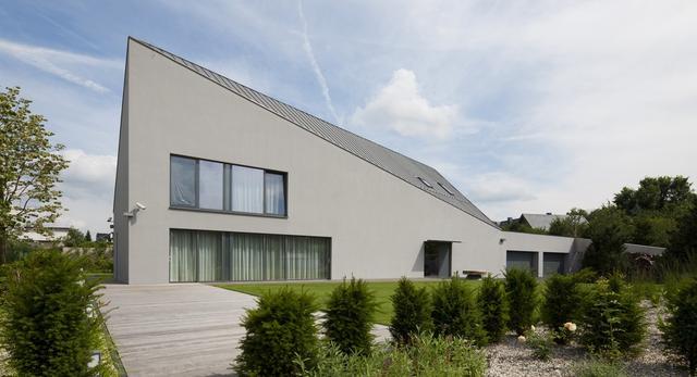 Bryła domu Festung Ślęza – połączenie tradycji z nowoczesną architekturą
