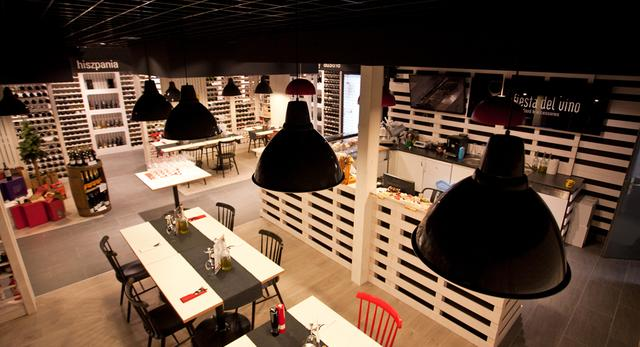 Architektura wnętrz: sklep z winami architektów ze studia mode:lina. Winiarnia w Poznaniu galeria zdjęć