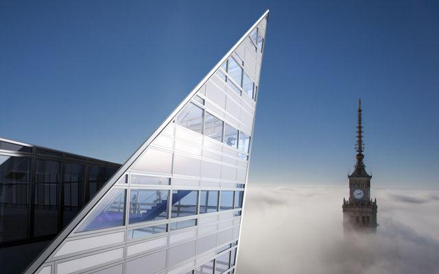 Architektura Warszawy. Złota 44 projektu Daniela Libeskinda: najwyższy w Unii Europejskiej apartamentowiec  już na ukończeniu. We wrześniu pokażą wnętrza