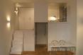 Małe wnętrze w Madrycie jest spójne i mimo niewielkiego metrażu komfortowe i funkcjonalne