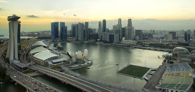 Pływające boisko niedaleko Marina Bay w Singapurze
