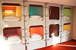 Noc w kapsule sypialnej? To możliwe w Hostelu Wilson na warszawskim Żoliborzu. Zobacz pierwszy  kapsułowy eko-hostel w Polsce