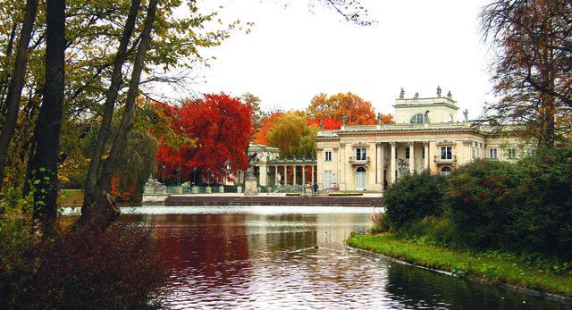 łazienki Królewskie W Warszawie Pięknieją Porównajcie Kilka