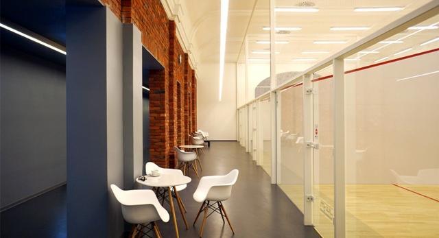 Centrum squash w stylu loft! Kino Bajka w Katowicach zmienione na Squash Fit.