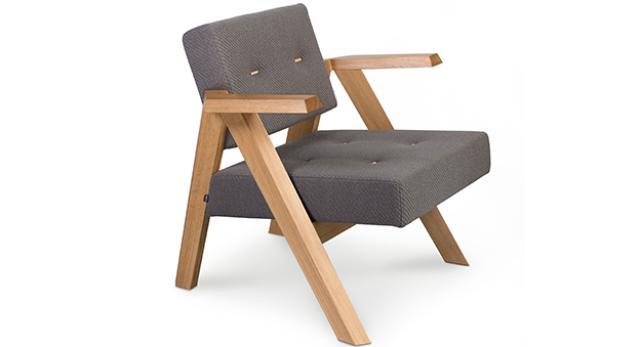 Fotel z kolekcji Clapp, zaprojektowanej przez Piotra Kuchcińskiego