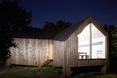 Drewniany dom La Cabotte autorstwa H2O Architects  autor zdjęcia: Julien Attard