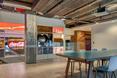 Główne wnętrze nowej siedzimy firmy Coca-Cola w Londynie
