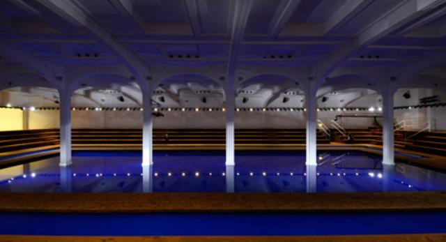 Nowa kolekcja Prady, Rem Koolhaas projektuje architekturę wnętrz
