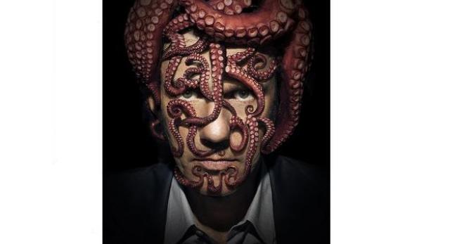Palakt pt. Zatrzymaj się / Take a stop autorstwa Sagmeister & Walch (Stefan Sagmesiter, Jessica Walsh), USA