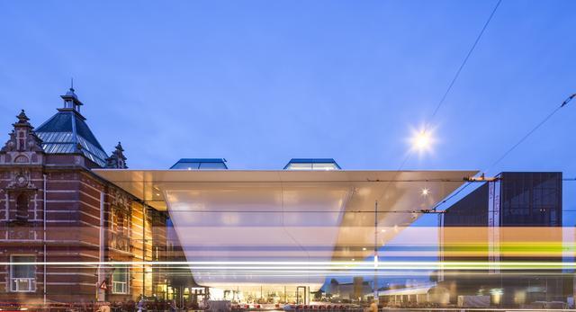 Bryła Stedelijk Museum w Amsterdamie autorstwa Benthem Crouwel Architects
