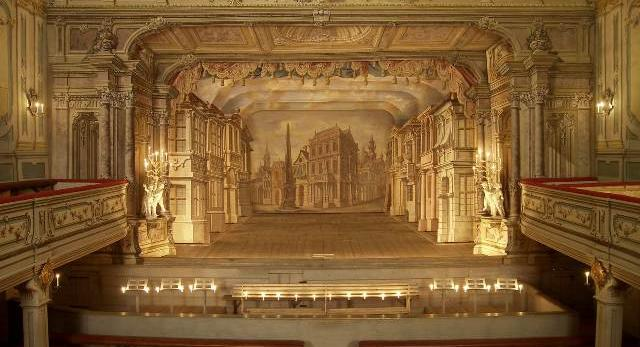 Czeski Krumlow: wnętrze teatru pałacowego