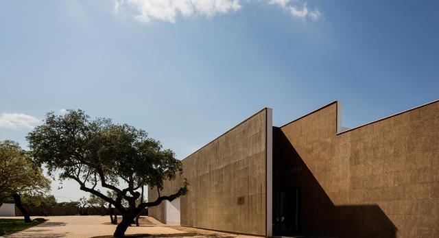 Korkowa elewacja hotelu Ecork w Portugalii autor: José Carlos Cruz