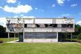 Południowo - wschodnia elewacja. Villa Savoye Le Corbusiera - przeróbka artystyczna wg. Xaviera Delory