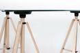 TRIPOD TABLE - kolekcja mebli TRIPOD autorstwa studia poorex poor design