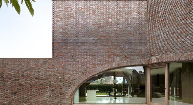 Willa Moerkensheide w De Pinte w Belgii autorstwa Dieter De Vos Architecten