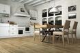 Beton arcghitektoniczny i postarzany dąb, architektura wnętrz - kuchnia