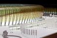 Podświetlana od wewnątrz makieta PGE Arena Gdańsk na wystwie w Muzeum Sztuki Nowoczesnej
