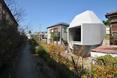 Rezydencja wzbogaca architektonicznie osiedle domów jednorodzinnych w Abiko  autor: pracownia architektoniczna fuse-atelier