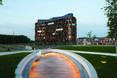 U15 Office building widziane z daleka - biurowiec w Milanie,Włochy  autor: Cino Zucchi Architetti