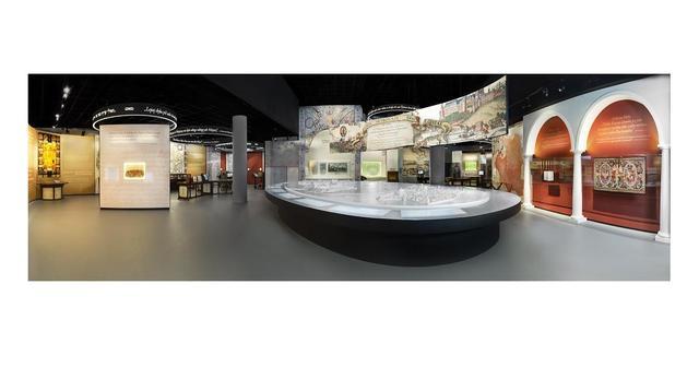 Panorama z wnętrza wystawy stałej Muzeum Historii Żydów Polskich POLIN - Galeria Paradisus Iudaeorum  fot. M. Starowieyska, D. Golik