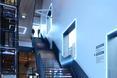 Nowoczesne okna budynku Poppodium GRENSWERG w holenderskim mieście Venlo oplata oświetlenie LED  autor: van Dongen - Koschuch architekci