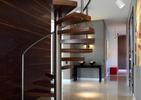 Schody w architekturze wnętrz: funkcja i forma