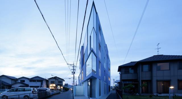 On the Corner House - bryła powstała w pracowni Eastern Design Office