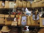 Korkowa galanteria - torebki, portfele i kapelusze z korka, Lizbona