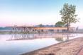 Pawilon z pomostem widokowym przy brzegu zalewu, Janów Lubelski