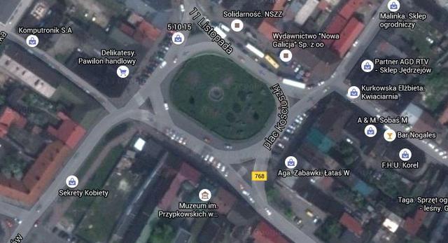 Rynek w Jędrzejowie, fot. Google Maps