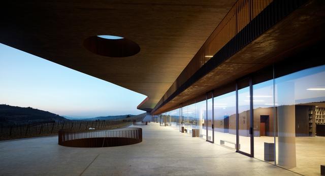 Współczesna architektura Toskanii: dom wina