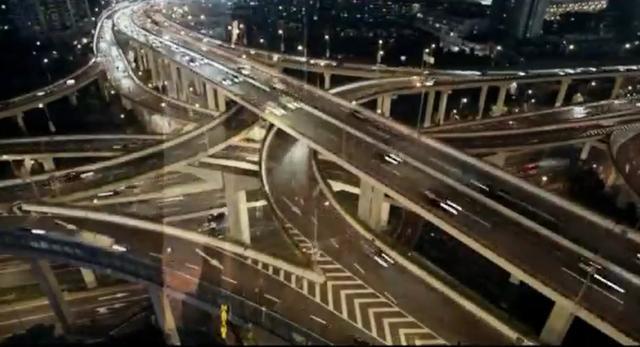 Architektura współczesnych miast podporządkowana jest ruchowi samochodowemu