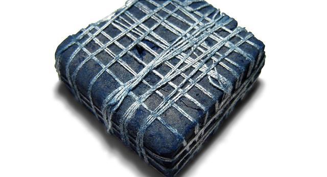 Indygo - materiał stosowany do farbowania tkanin