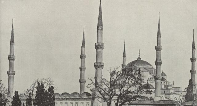 Minarety, meczet sułtana Achmeda w Stambule. Polona