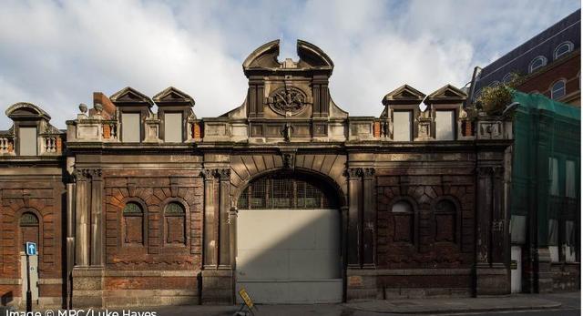 Wiktoriańska bryła - część przyszłej siedziby Museum of London