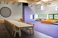 Architektura wnętrz przedszkola; duże płaszczyzny nasyconego koloru