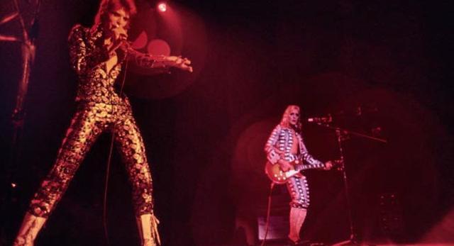 David Bowie na scenie. Listopad 1972, Cleveland