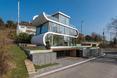 Mała działka na zboczu i nietypowy dom. Współczesna architektura Szwajcarii