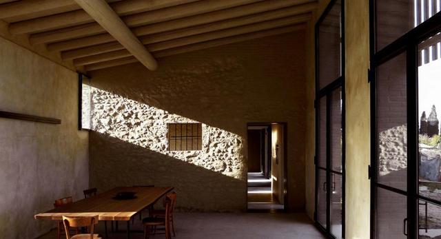 Minimalizm we włoskim wydaniu, czyli wnętrze domu koło Wenecji