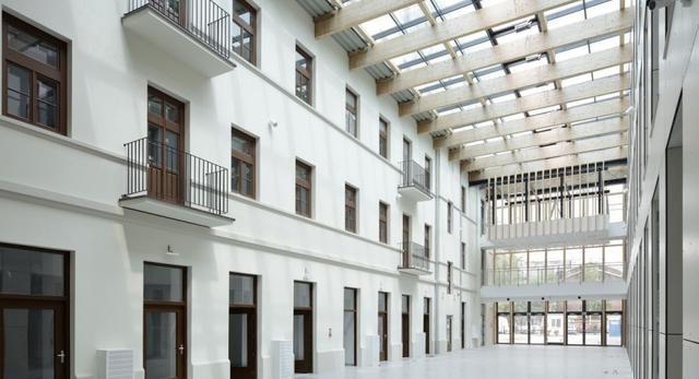 Centrum Kreatywności Targowa. Rewitalizacja Pragi