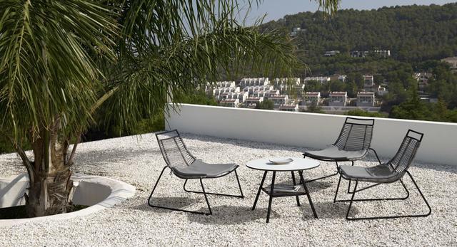 Jak urządzić własny taras lub ogród, by poczuć się niczym na wakacjach?