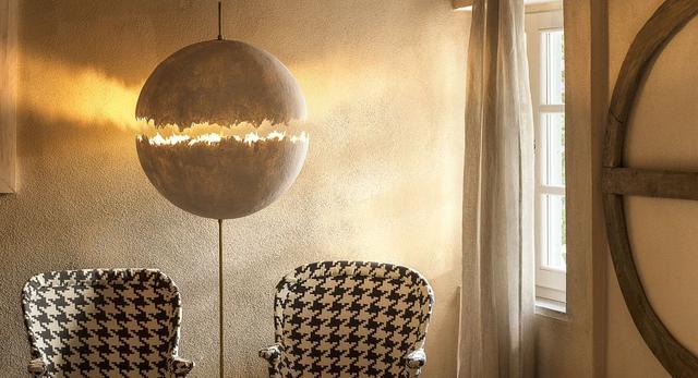 Włoski dom wyrzeźbiony światłem