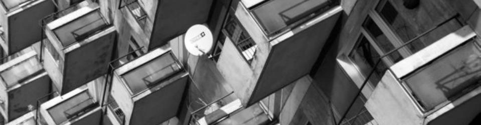 Dom o stu balkonach