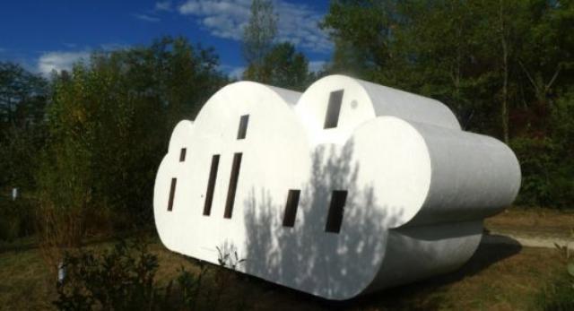 Noc w chmurach - siedmioosobowa kabina mieszkalna projektu Bruit du Frigo i Zébra3/Buy-Sellf