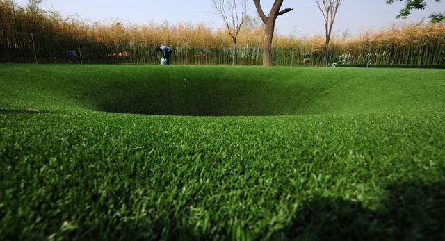 Przekopaliśmy się do Chin - ogród The Big Dig biura Topotek 1 na Międzynarodowej Wystawie Ogrodniczej w Xian