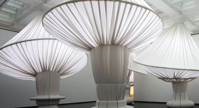 Nowy porządek w Brooklińskim Muzeum - aranżacja wnętrza Głównej Hali przez Situ Studio